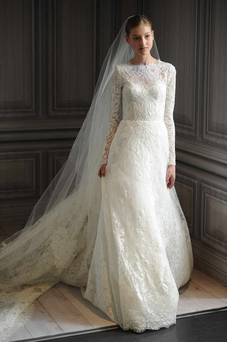 Lovely long sleeved wedding dresses a batty life for Lace sleeve wedding dresses