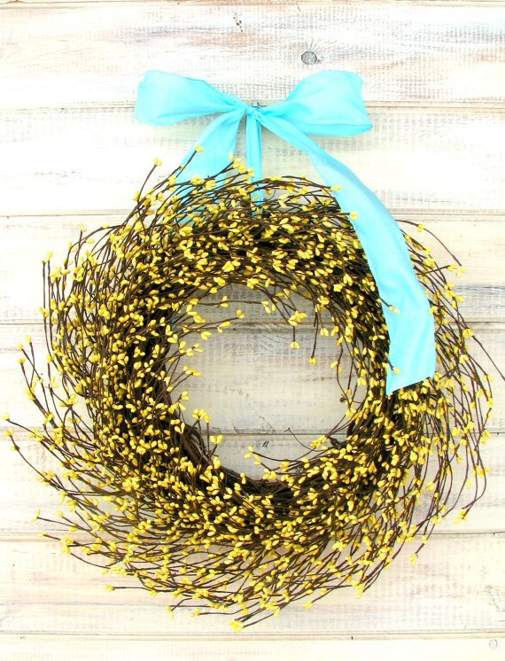 yellow wreath-